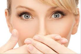 علل بوی بد دهان و درمان بوی بد دهان