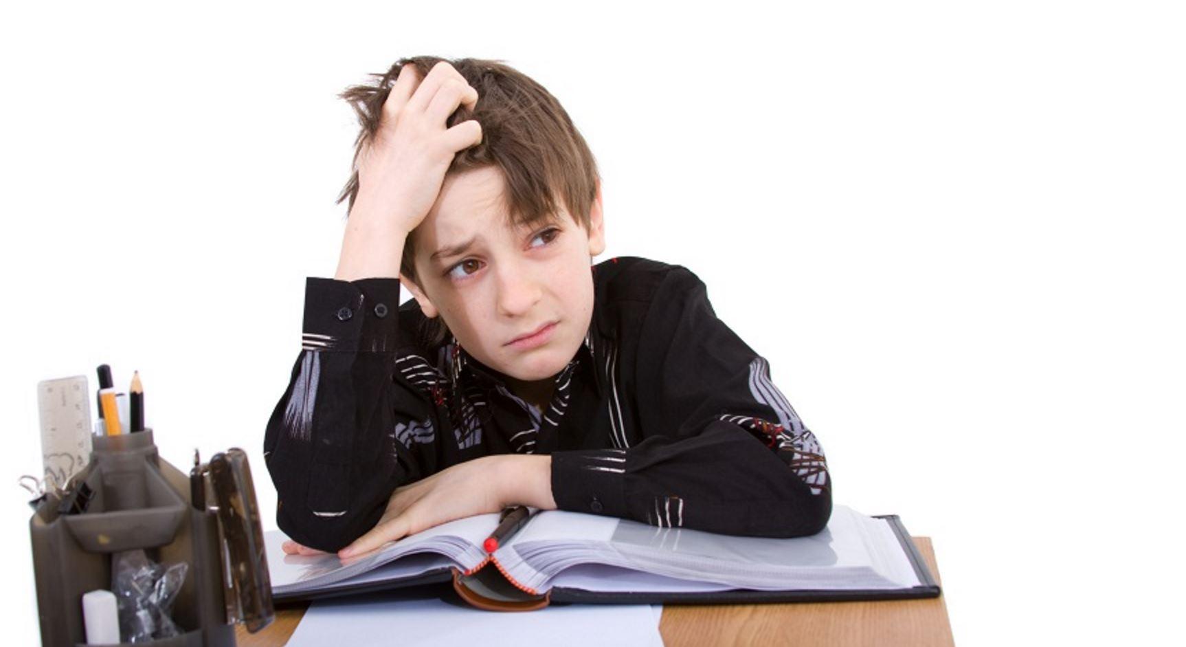 انجام ندادن تکالیف در کودکان؛ فرزندم مشق نمی نویسد