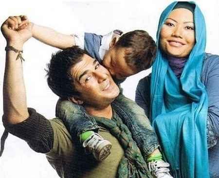 بیوگرافی یوسف تیموری؛ عکس های یوسف تیموری با همسر تایلندی اش و فرزندش