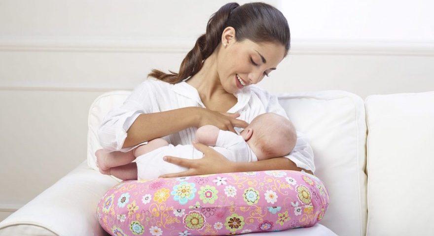 آموزش شیوه صحیح شیر دادن به نوزاد