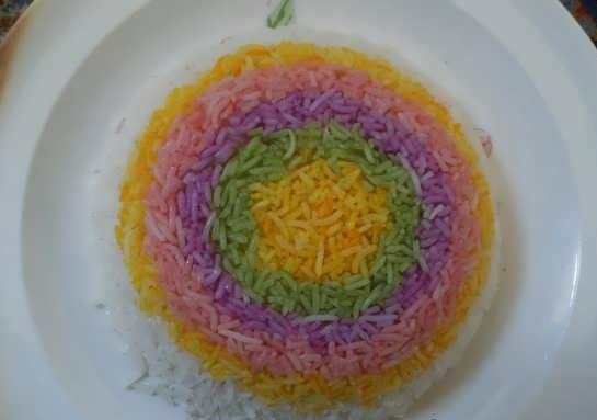 تصاویر تزیین برنج | عکس هایی از تزیین برنج قالبی با زعفران و زرشک