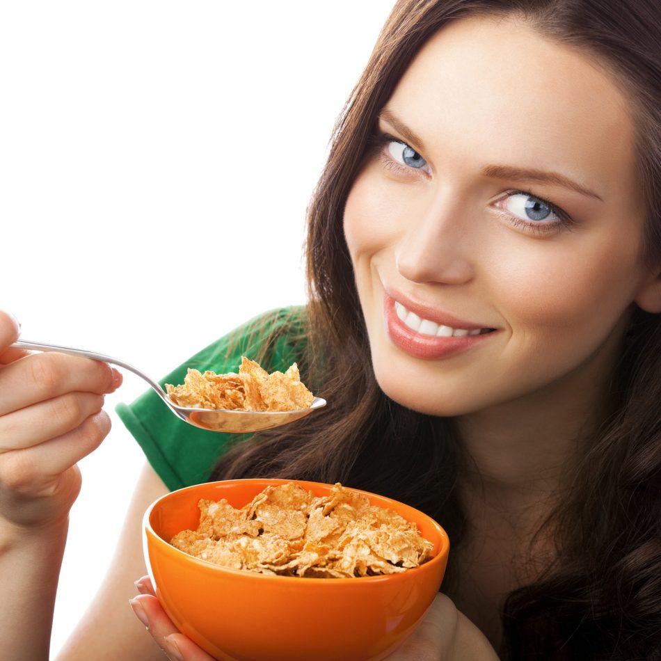 تعبیر خواب غذا خوردن | معنی و تعابیر غذا خوردن و دیدن غذا در خواب