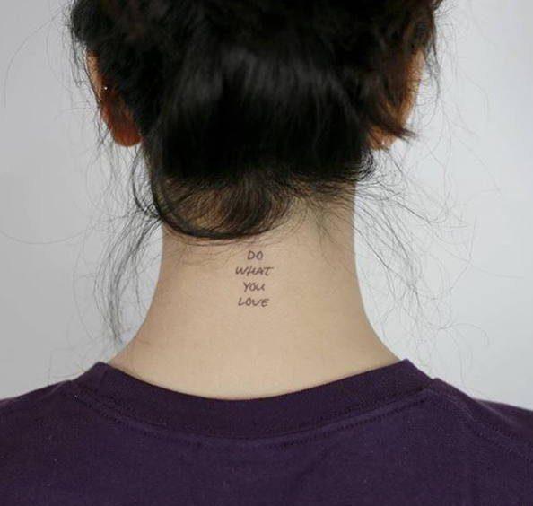 طرح تاتو دخترانه پشت گردن