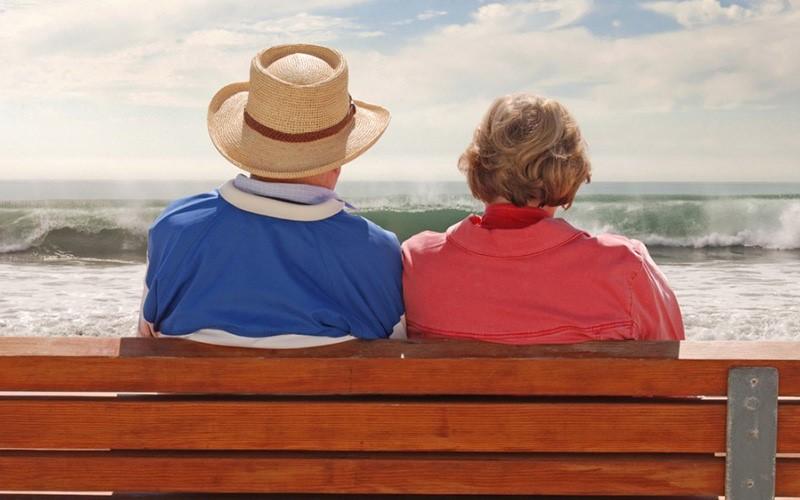 راهنمایی هایی برای سالمندان در سفرهای هوایی