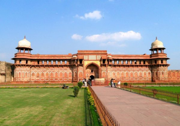 هند، سفر به عهد جادویی تاریخ
