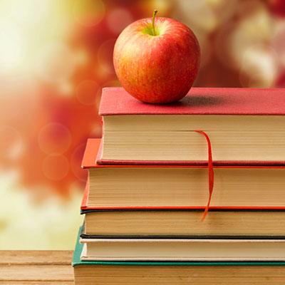 شعر در مورد کتاب + مجموعه اشعار زیبا از شاعران بزرگ در مورد کتاب و کتاب خوانی