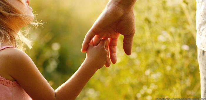 متن و جملات عاشقانه پدر و مادر برای فرزند